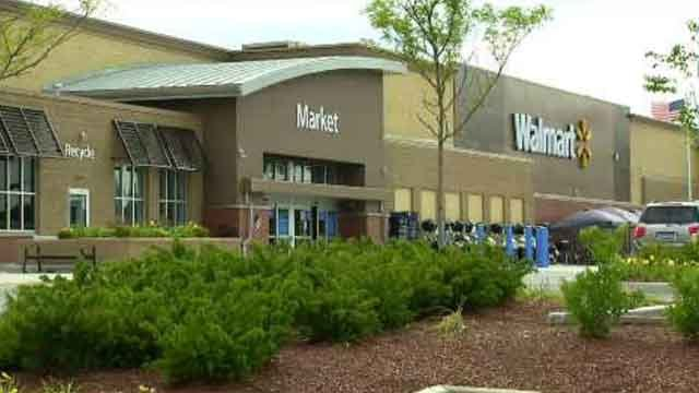 Police officer accused of stealing from Hartford Walmart (WFSB photo)