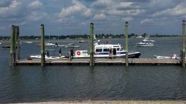 Teen dies in Greenwich boating accident (Greenwich police)