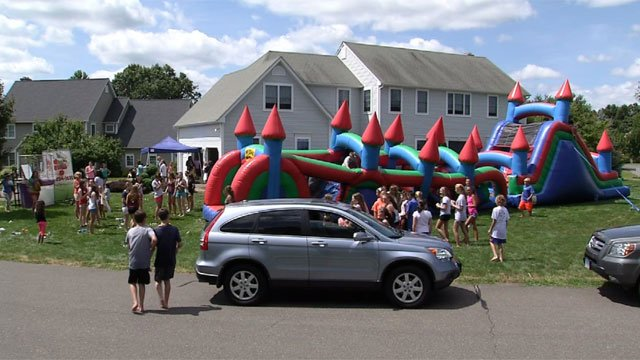 ALS carnival held in honor of Glastonbury 8th grader's father on Monday (WFSB Photo)