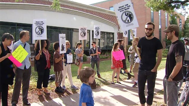 Before his hearing, about a dozen rallied in support of Luis Anglero. (WFSB photo)