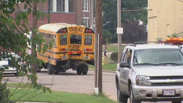 Bus driver dies saving child during safety drill (CBS News)