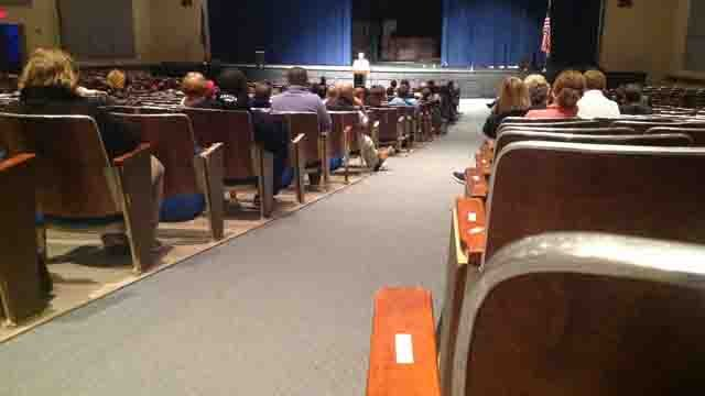 About 75 parents attend meeting after bomb threat at Sandy Hook Elementary