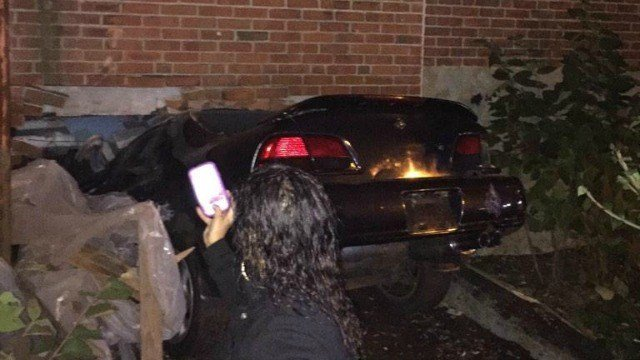 Vehicle Crashes Into Hartford Building Wfsb 3 Connecticut
