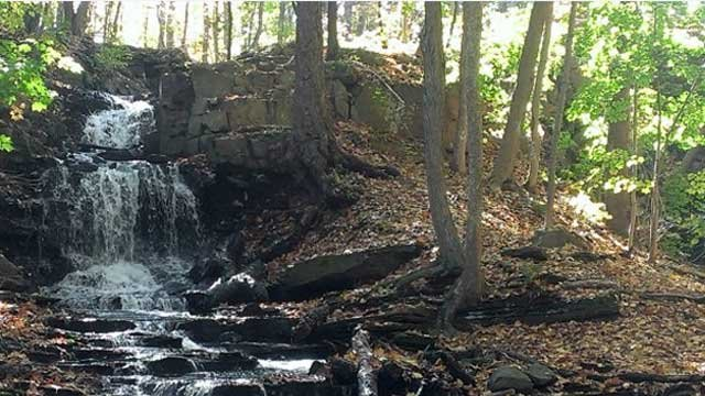 Waterfall at Dividend Ponds