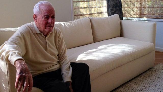 World War II veteran Bob Gross honors fallen soldiers by visiting families