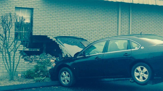 Car Crashes Into Building On Us In Naples