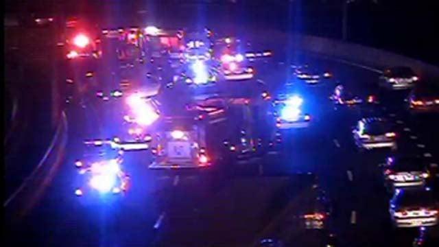 Crash causes delays on I-84 west in Hartford (DOT camera)