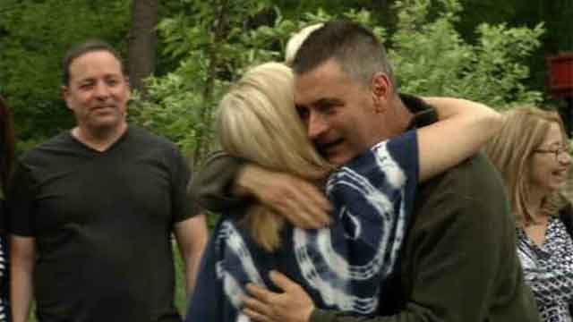 Surprise reunion of dad battling cancer and military son  (WFSB)
