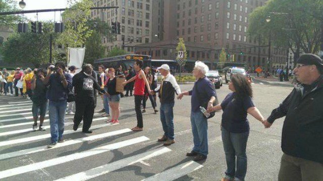 Protesters are causing traffic delays in Hartford (@15Warrenton)