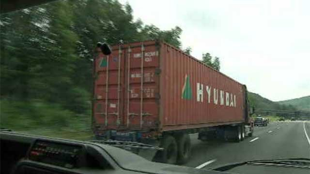 Truck industry looking to increase length of tractor trailers (WFSB)
