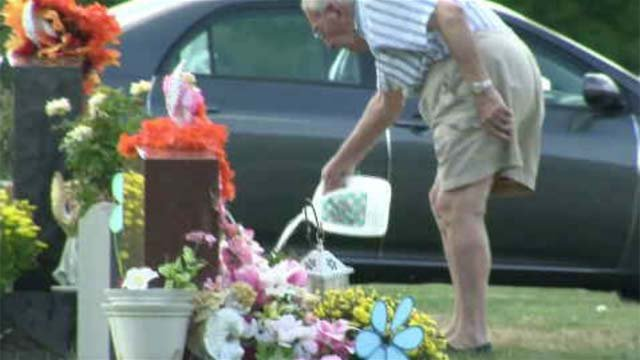 New cemetery rules in Middletown upsetting some visitors (WFSB)
