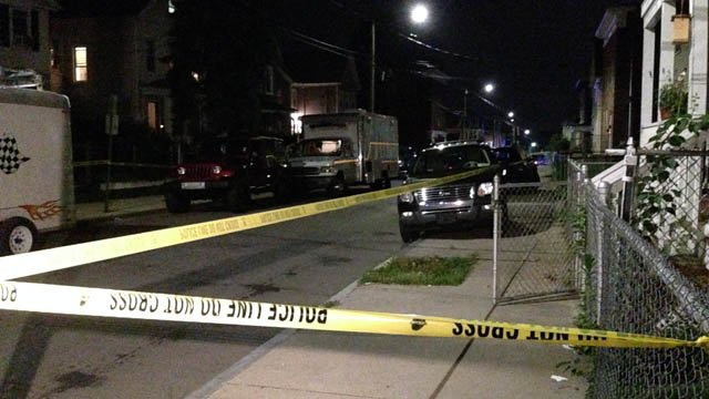 Police taped off Frank Street in New Haven due to a homicide investigation. (WFSB photo)