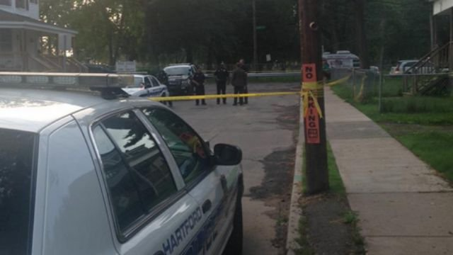 Police are investigating shooting on Pliny Street in Hartford. (WFSB)