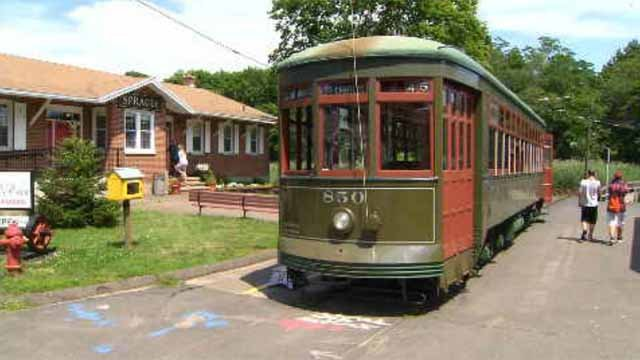 CT trolley museum gets PATH car used during 9/11 (WFSB)