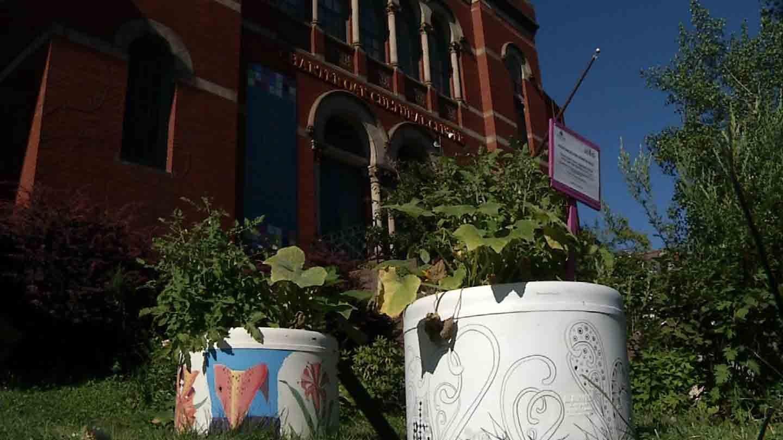 BOTS pots in downtown Hartford. (WFSB photo)