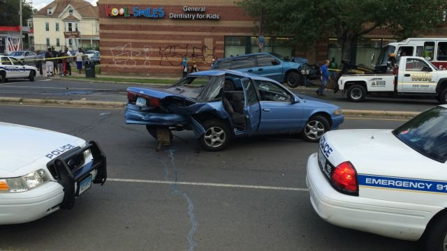 Emergency crews on the scene of a crash involving six vehicles in Hartford (WFSB)