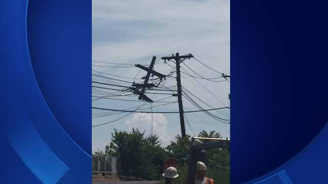 Thousands in Branford without power after utility pole breaks (Branford police)