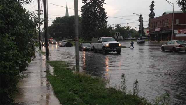 Flooding spotted in Danbury (iwitness)