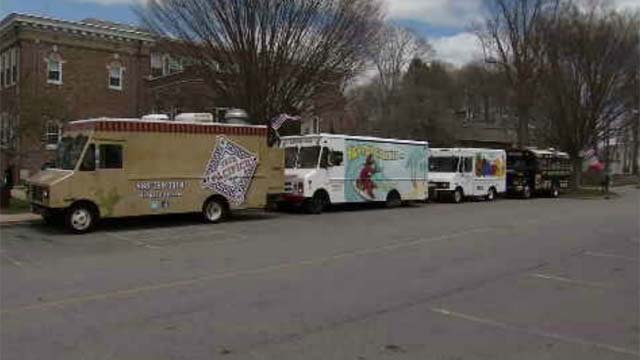 Enfield leaders look into legislation regarding food trucks in town (WFSB)