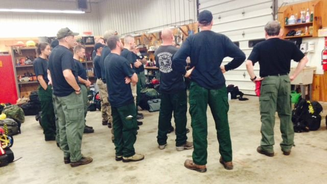 Fire crews get ready to leave Marlborough