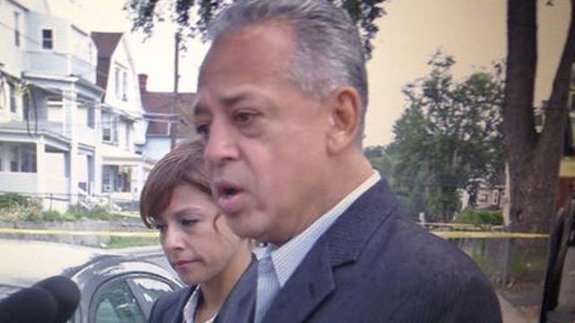 Mayor Pedro Segarra went to Tuesday morning's homicide scene. (WFSB photo)