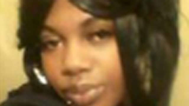 Police are asking for the public's help locating 23-year-old Tashauna Jackson. (Hartford Police Department)