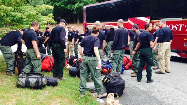Firefighters return home after battling wildfires out west (WFSB)