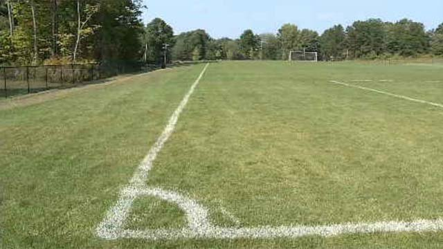 Middletown officials discuss synthetic turf on fields (WFSB)