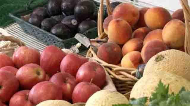 Farms fight through sweltering heat (WFSB)