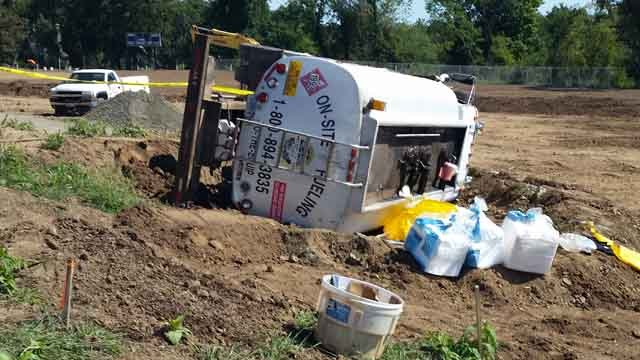 Less than 10 gallons of fuel spilled from the cargo tank. (CT DEEP)