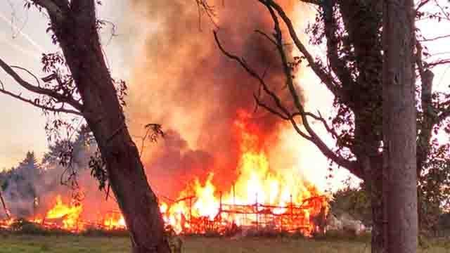 Crews battle barn fire in East Windsor (iwitness)