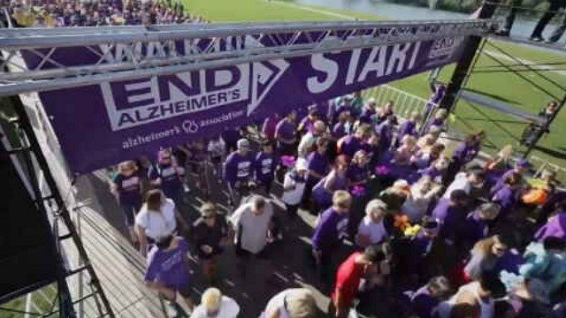 Hundreds gather for the Walk to End Alzheimer's (WFSB)
