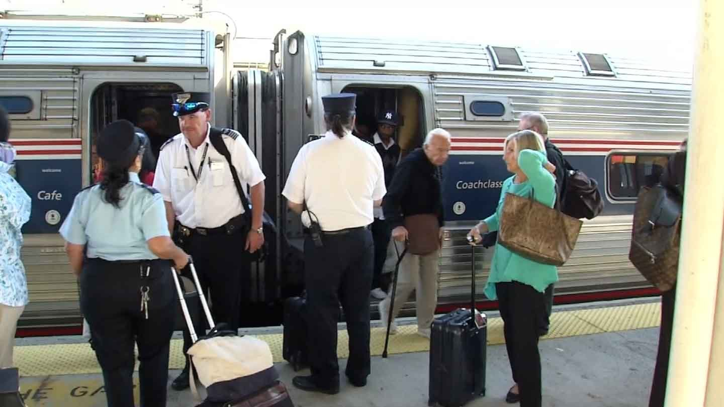 Police stepped up patrols at Union Station in New Haven ahead of the papal visit to New York City. (WFSB photo)