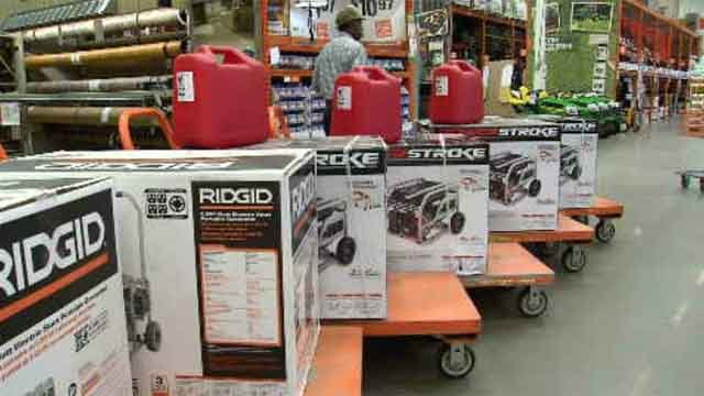 Customers flock to hardware stores for hurricane supplies (WFSB)