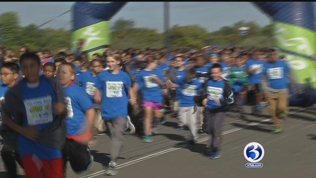 Students run Final Mile. (WFSB)