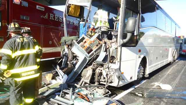 Bus driver, 18 passengers injured in Norwalk crash (Norwalk Police Department)