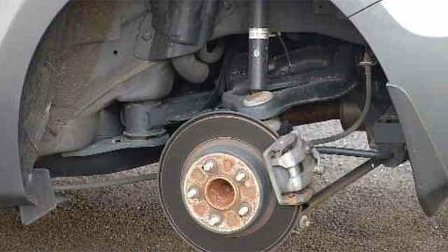 Vehicle vandalism prompts police investigation in Enfield (WFSB)