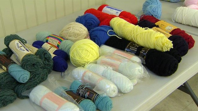 Knitting is making a difference in Connecticut community. (WFSB)