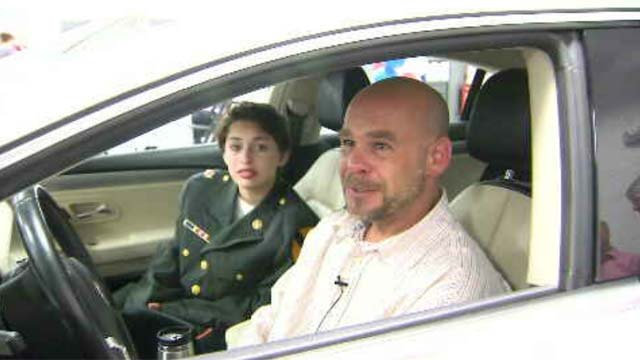Two CT veterans received cars on Wednesday (WFSB)