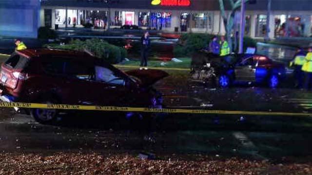 Four car crash closes Dixwell Avenue (WFSB)