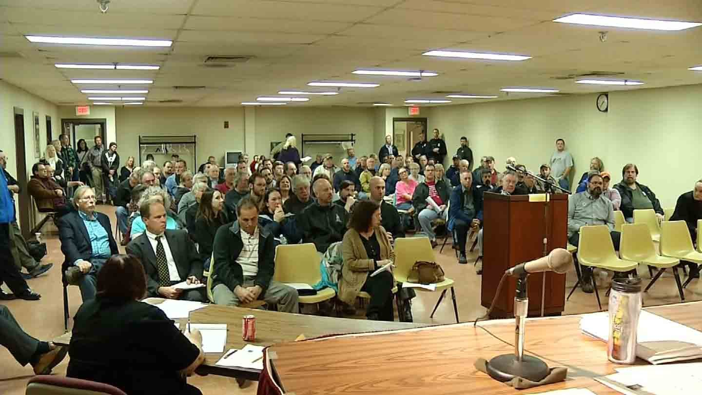 Residents pack a meeting in Plymouth Thursday night. (WFSB photo)
