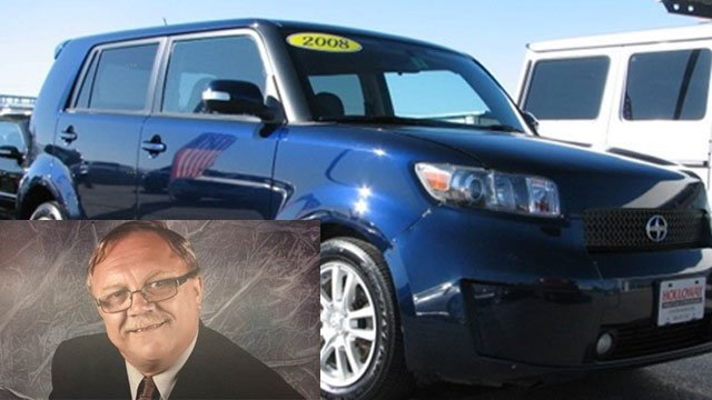 "Police are searching for Boguslaw ""Bugs"" Koniarz, who is driving a 2008 blue Scion XB. (Newington Police Department)"