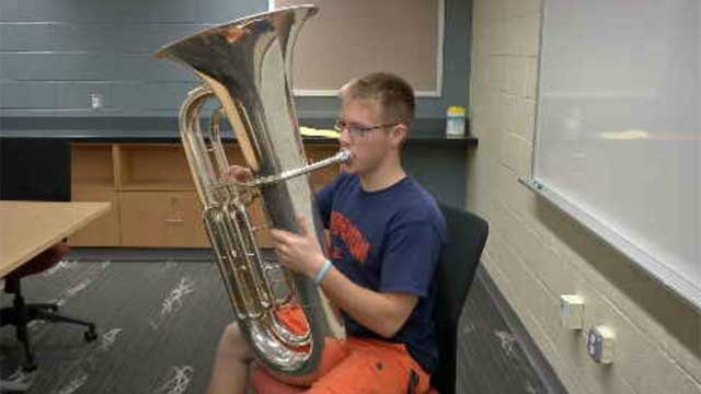 Berlin teen marching in Macy's Thanksgiving Day Parade (WFSB)