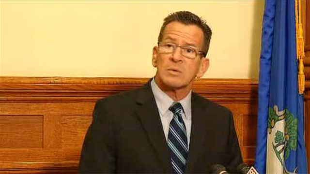 Malloy welcomes Syrian family to New Haven (WFSB)