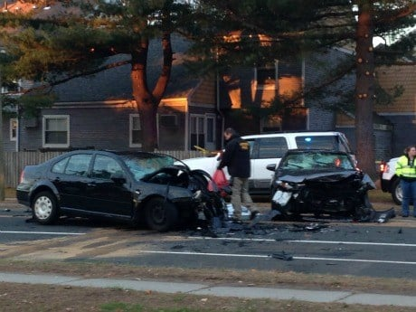 car crash ct 1 dead 3 injured in early morning crash in hartford wfsb 3 connecticut