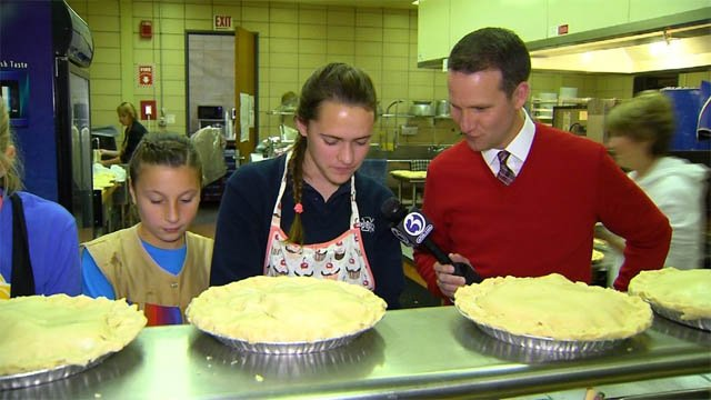 Mercy students make hundreds of pies for needy (WFSB)