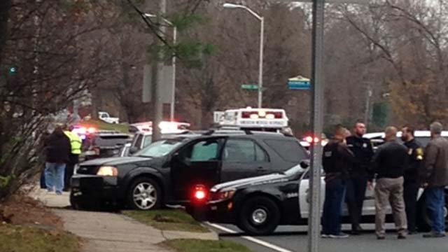 Police pursuit closes Albany Ave in Hartford (WFSB)