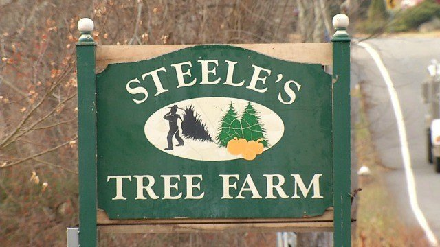 Officers are helping keep Steele's Tree Farm open in Manchester. (WFSB)