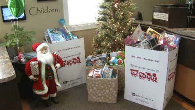 Marines collect for Toys for Tots (WFSB)