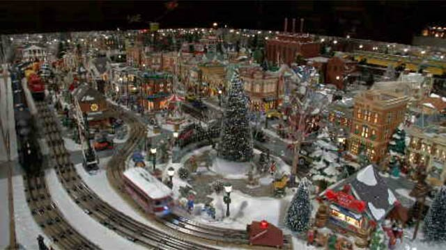 Glastonbury man's train display captures holiday spirit (WFSB)